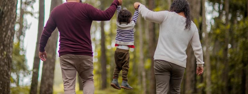 Das Loben trägt zu einer harmonischen Familienzeit bei. Kinderpsychologische Tipps zum Thema Loben.